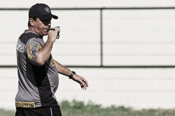 Com o time principal, Botafogo encara o Madureira em São Januário