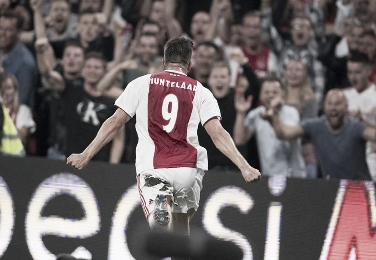 """Huntelaarelogia torcida após classificação do Ajax ao playoff daUCL: """"Foi uma festa linda"""""""