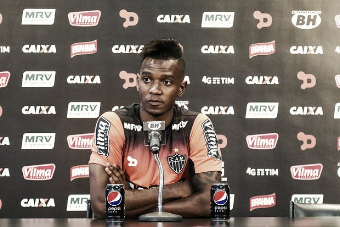 """Hyuri reconhece baixo rendimento no Atlético-MG e garante: """"Me cobro todos os dias"""""""