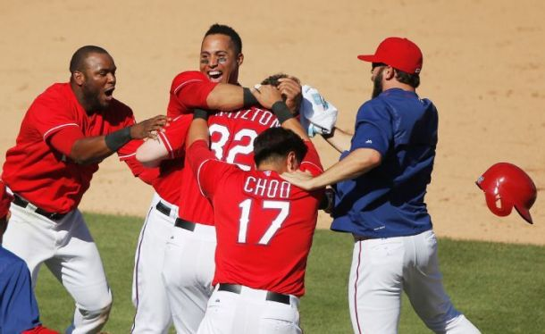 Josh Hamilton's Walk-Off Guides Rangers To 4-3 Win Over Red Sox