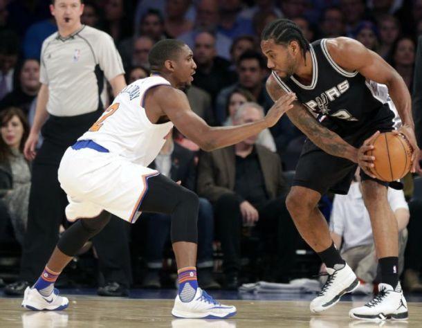 Leonard And Duncan Lead San Antonio Spurs To Road Win Over New York Knicks