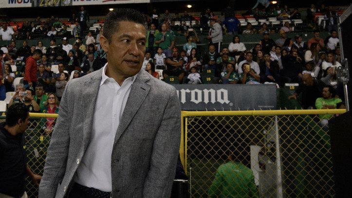 León renovará a Ignacio Ambriz