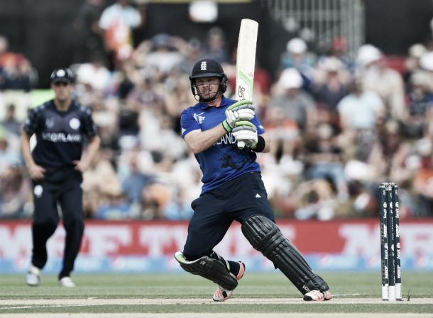 England batsman extends Warwickshire deal