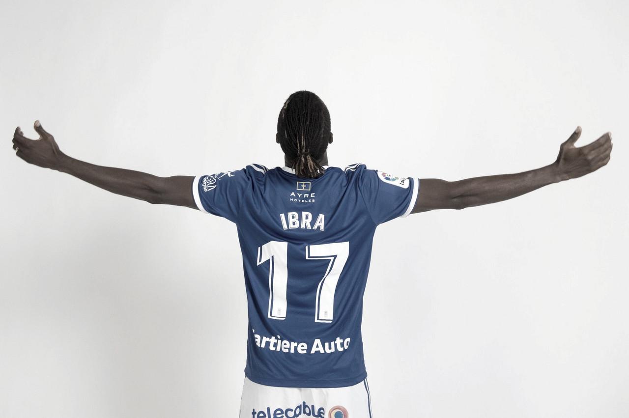 Ibra consigue la camiseta de Ibra