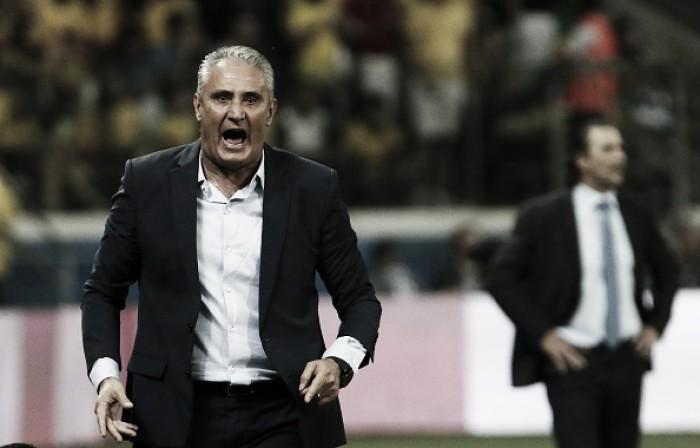 Tite alfineta Medel e relembra legado de ex-treinadores no comando da Seleção Brasileira