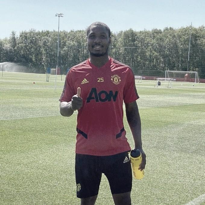 Odion Ighalo renueva con el Manchester United