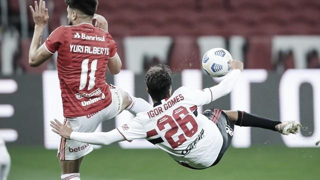 Com golaço de Igor Gomes, São Paulo vence a primeira no Brasileirão contra o Inter