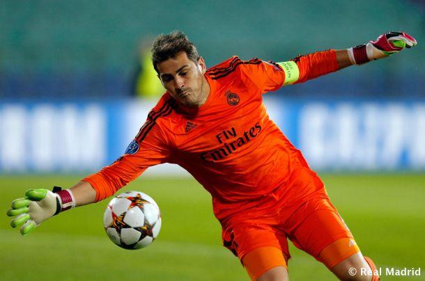 Casillas iguala a Raúl en Europa