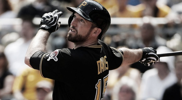 New York Yankees agree to deal with Ike Davis