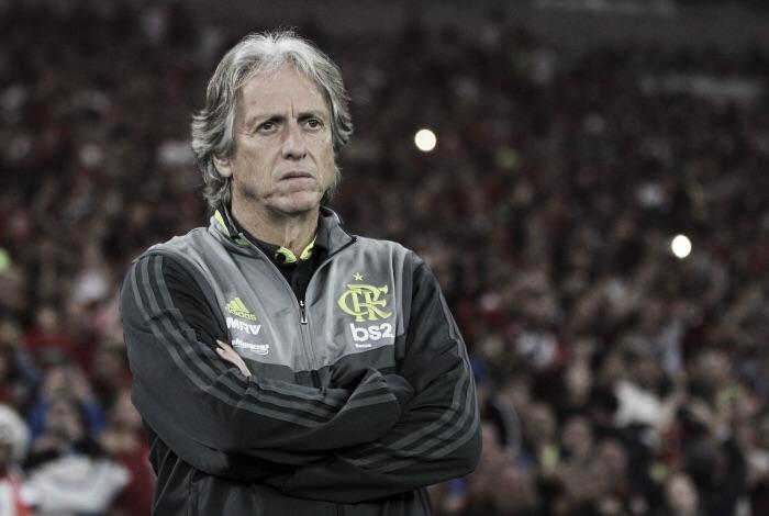 Com peças importantes de fora, Jorge Jesus terá equipe diferente contra o Avaí