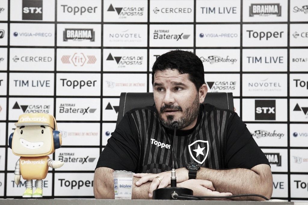 Barroca assume responsabilidade pela derrota e diz que Botafogo precisa 'virar a chave'