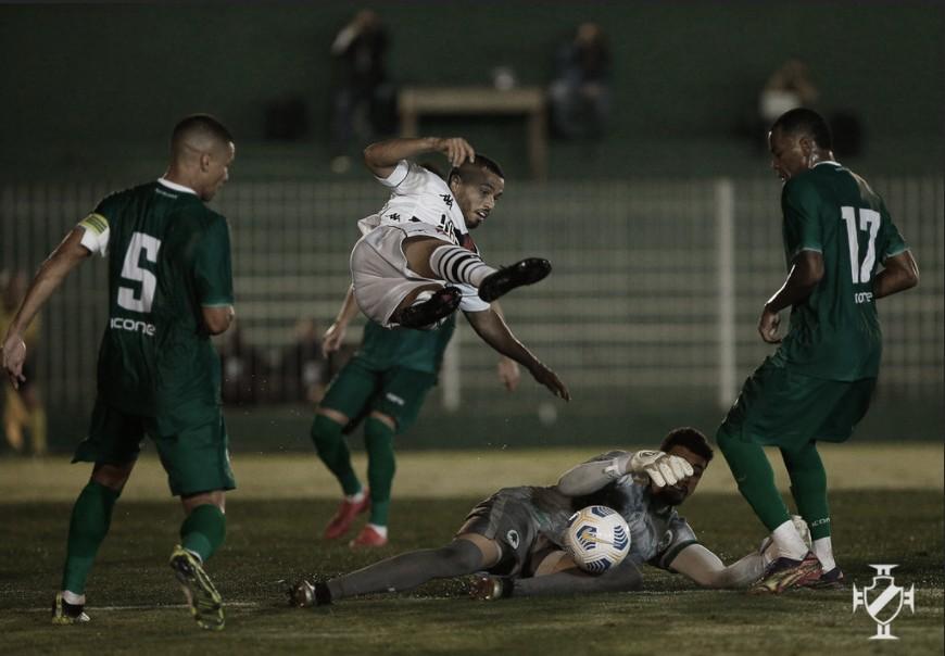 10 anos depois do título, Vasco busca classificação na Copa do Brasil