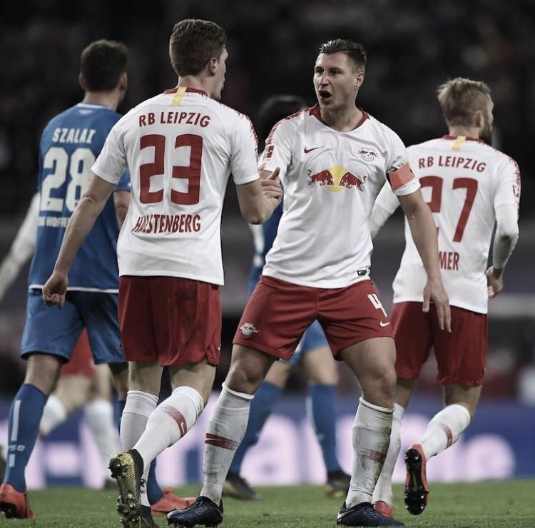 Leipzig marca no último minuto e empata confronto direto com Hoffenheim