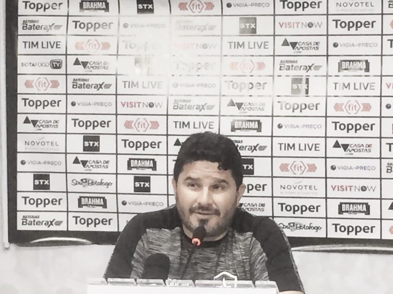 """Barroca destaca triunfo mesmo com estilo de jogo diferente: """"O mais importante era vencer"""""""