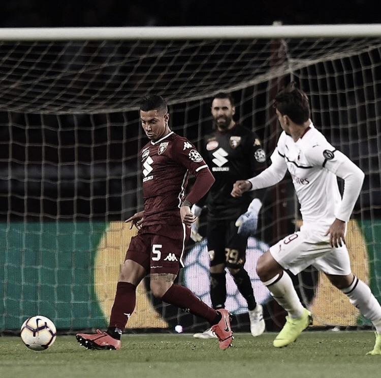 Milan perde para Torino e se complica por uma vaga na Champions League