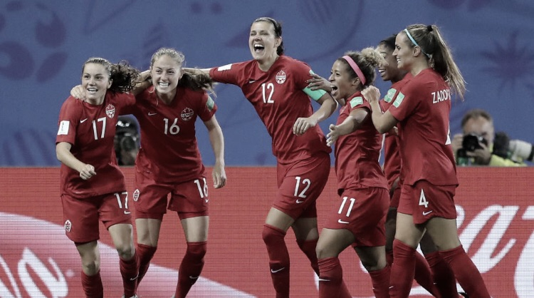 Canadá derrotaNova Zelândia egarante classificação para a próxima fase na Copa do Mundo