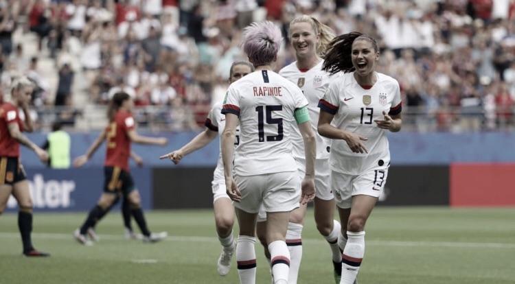 Estados Unidos vencem Espanha com dois gols de pênalti e estão nas quartas do Mundial