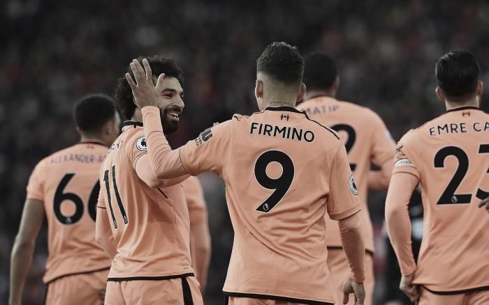 Firmino y Salah le dieron el triunfo al Liverpool