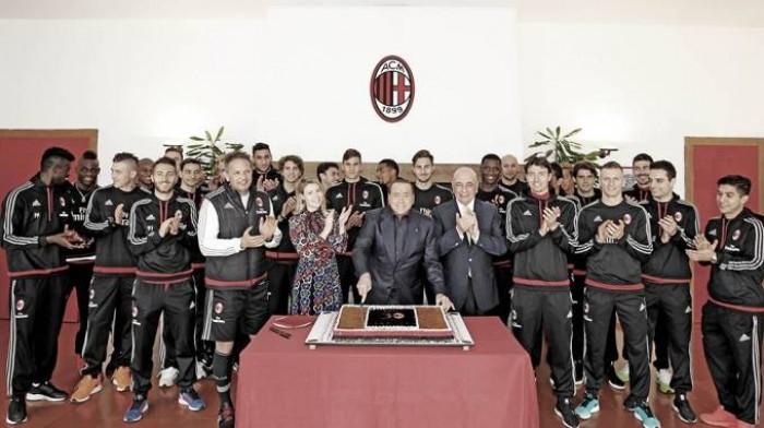 """Milan, Berlusconi a Milanello: """"Mihajlovic? Se le vince tutte mi vedrà convinto"""""""