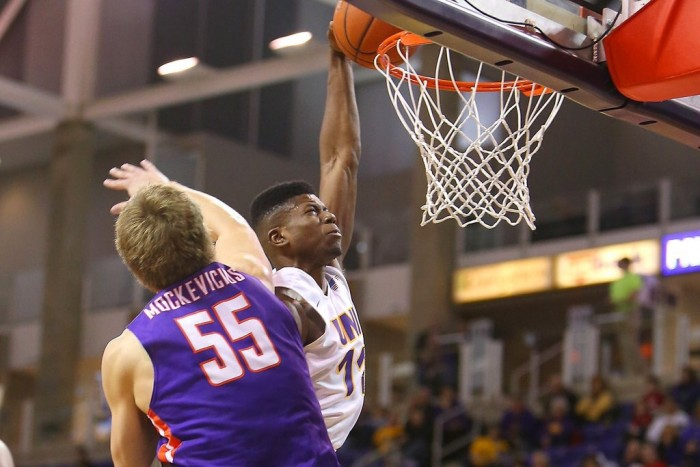 Landslide: D.J. Balentine Struggles As Evansville Purple Aces Are Edged By Northern Iowa Panthers