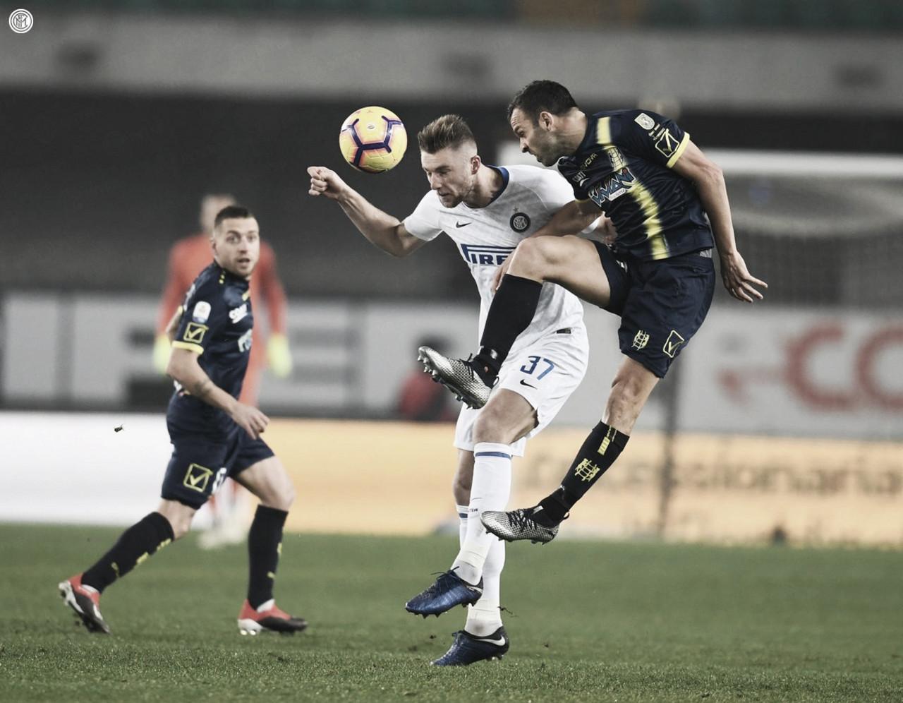 Internazionale sai na frente, desperdiça chances e cede empate ao Chievo nos acréscimos