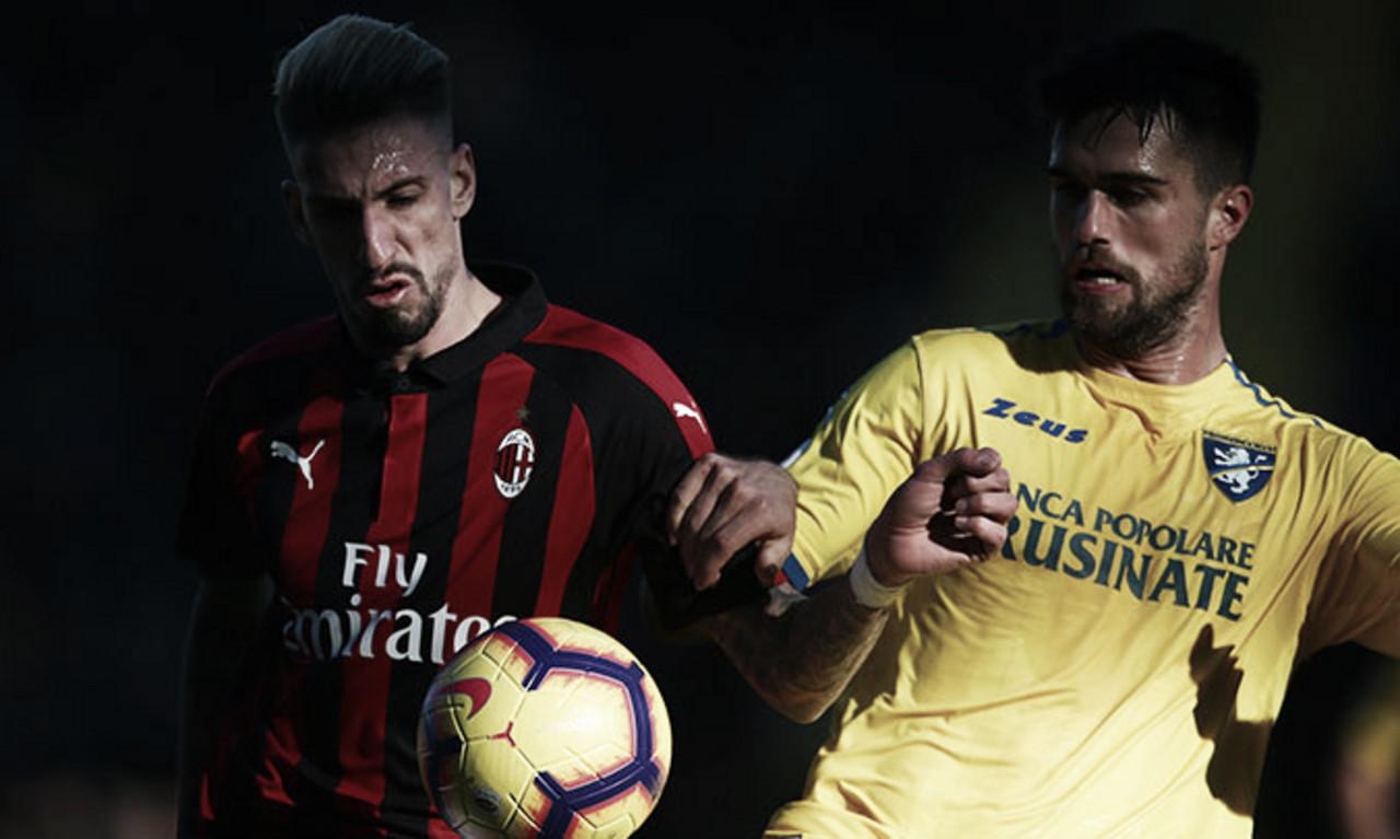 Milan empata com Frosinone e chega ao quarto jogo seguido sem marcar na Serie A