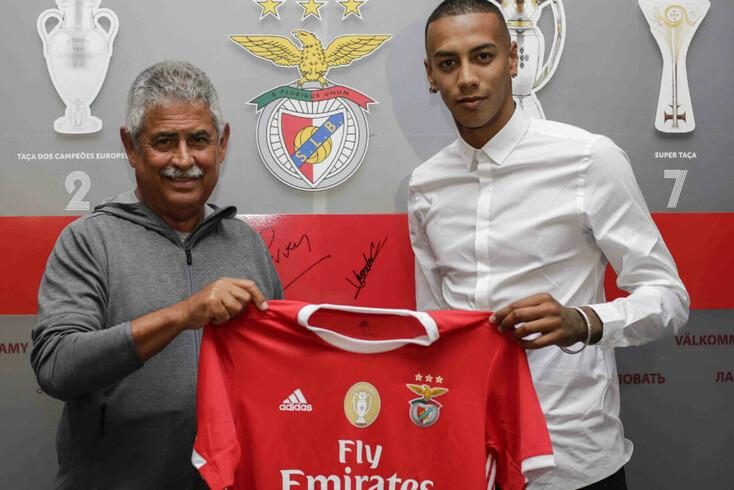Benfica apresenta Cádiz como reforço