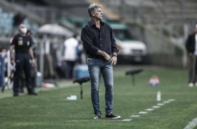 """Renato fala sobre Cavani: """"Tivemos conversas, mas os números são altos"""""""