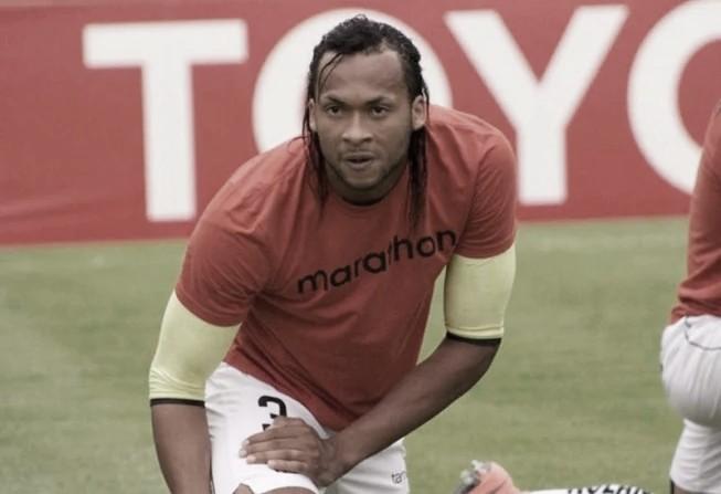 Vasco não tem interesse em Arturo Mina e agente revela sondagens de outros clubes