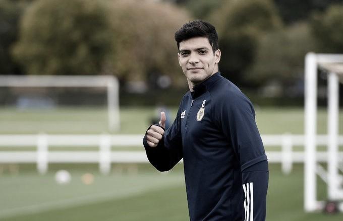 Raúl Jiménez tendrá que jugar con casco el resto de su carrera