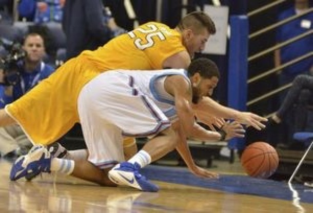 """Valparaiso Crusaders Hang On Against Indiana State Despite Quiet Second Half From """"Jazzy Junior"""" Alec Peters"""