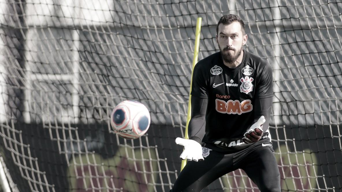 Tiago Nunes comanda primeiro coletivo do Corinthians na volta aos treinos