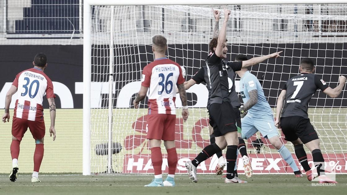 No sufoco! Werder Bremen empata com Heidenheim e continua na Bundesliga