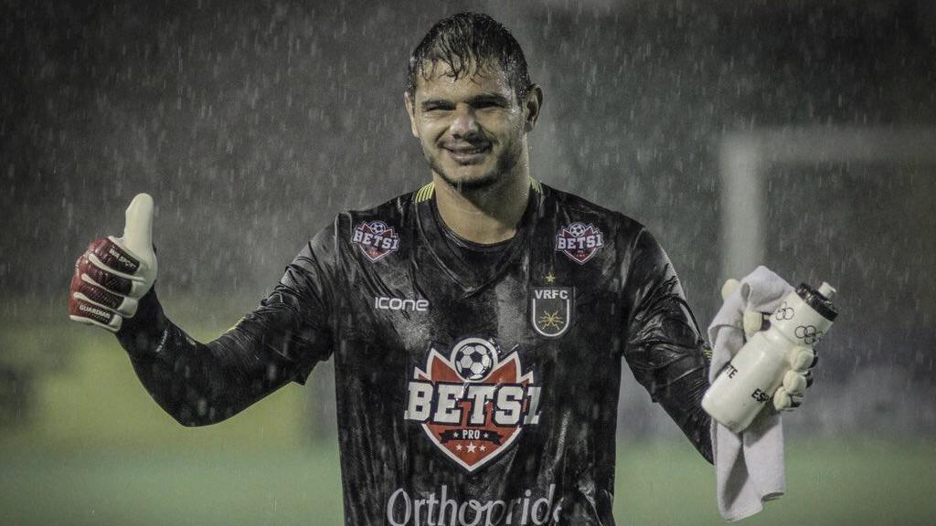 Volta Redonda faz coro para Ferj premiar Douglas Borges como melhor goleiro do Carioca