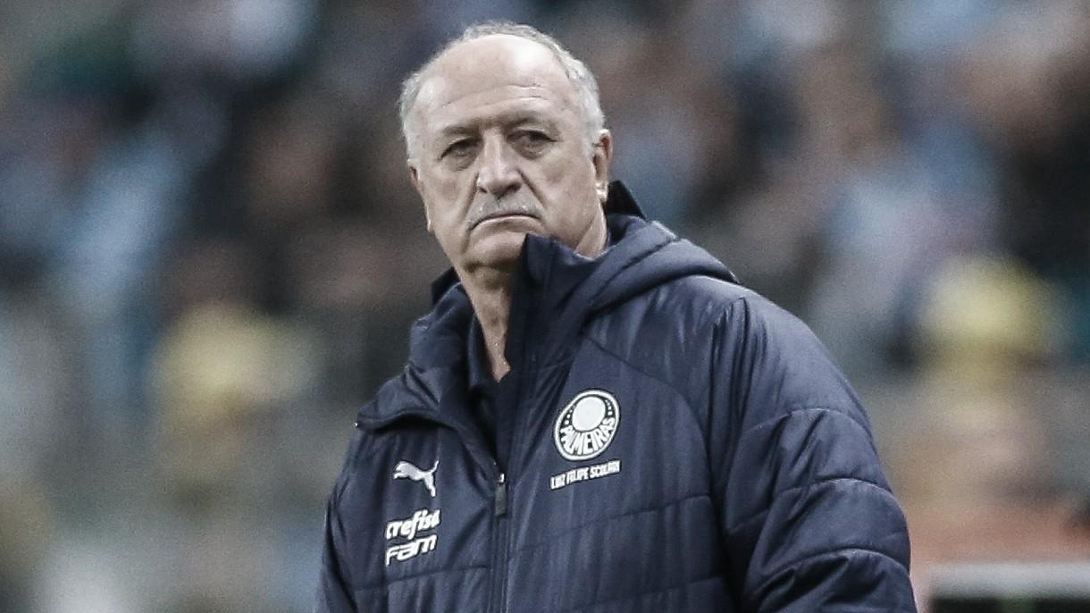 Velha guarda de treinadores brasileiros perde espaço para estrangeiros no Flamengo