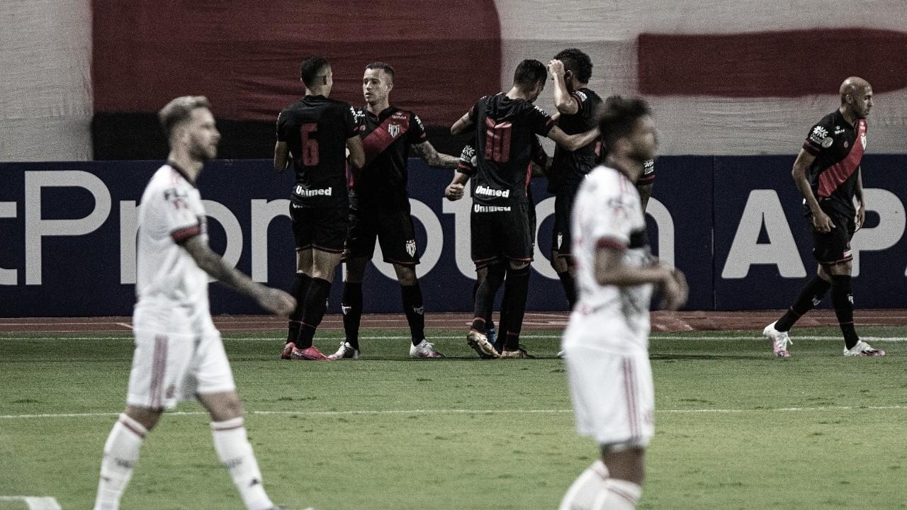 Domènec muda drasticamente tática do Flamengo e Atlético-GO atropela em sua estreia