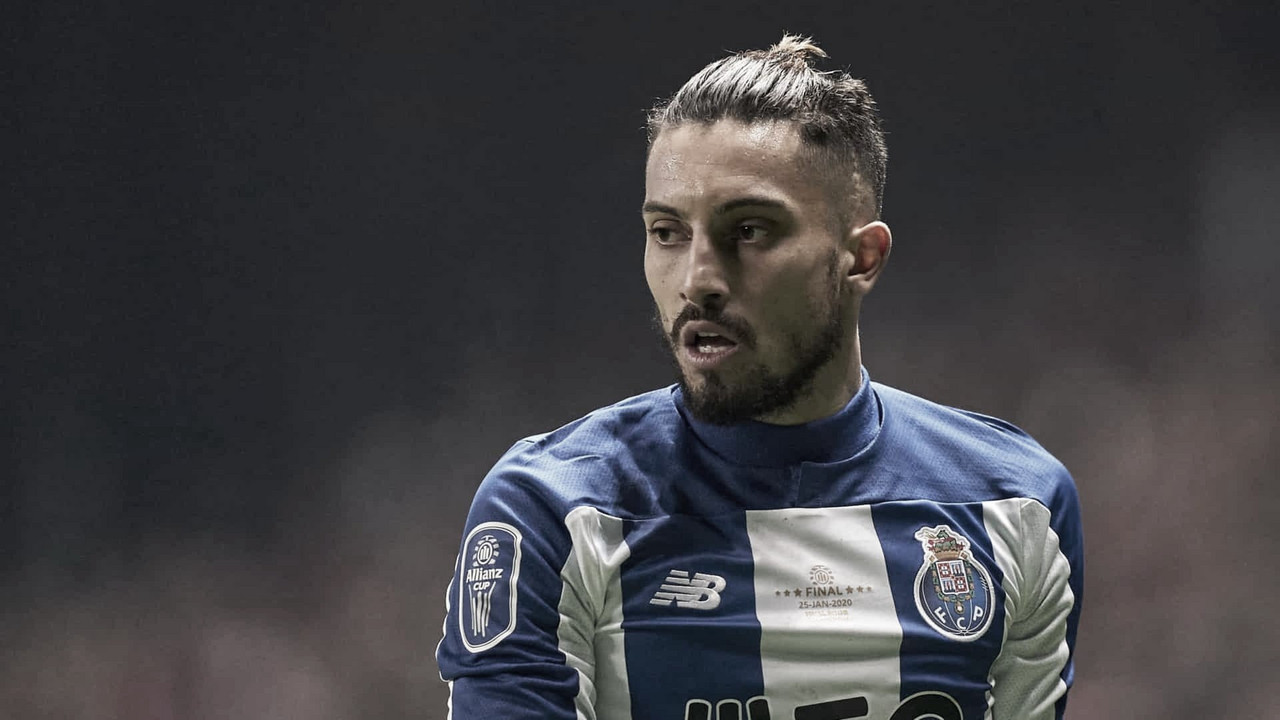 De malas prontas? Alex Telles está prestes a trocar Porto por Manchester United