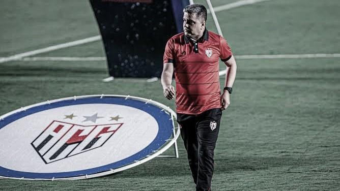 Marcelo Cabo deixa Atlético-GO e assina com Vasco até dezembro de 2021