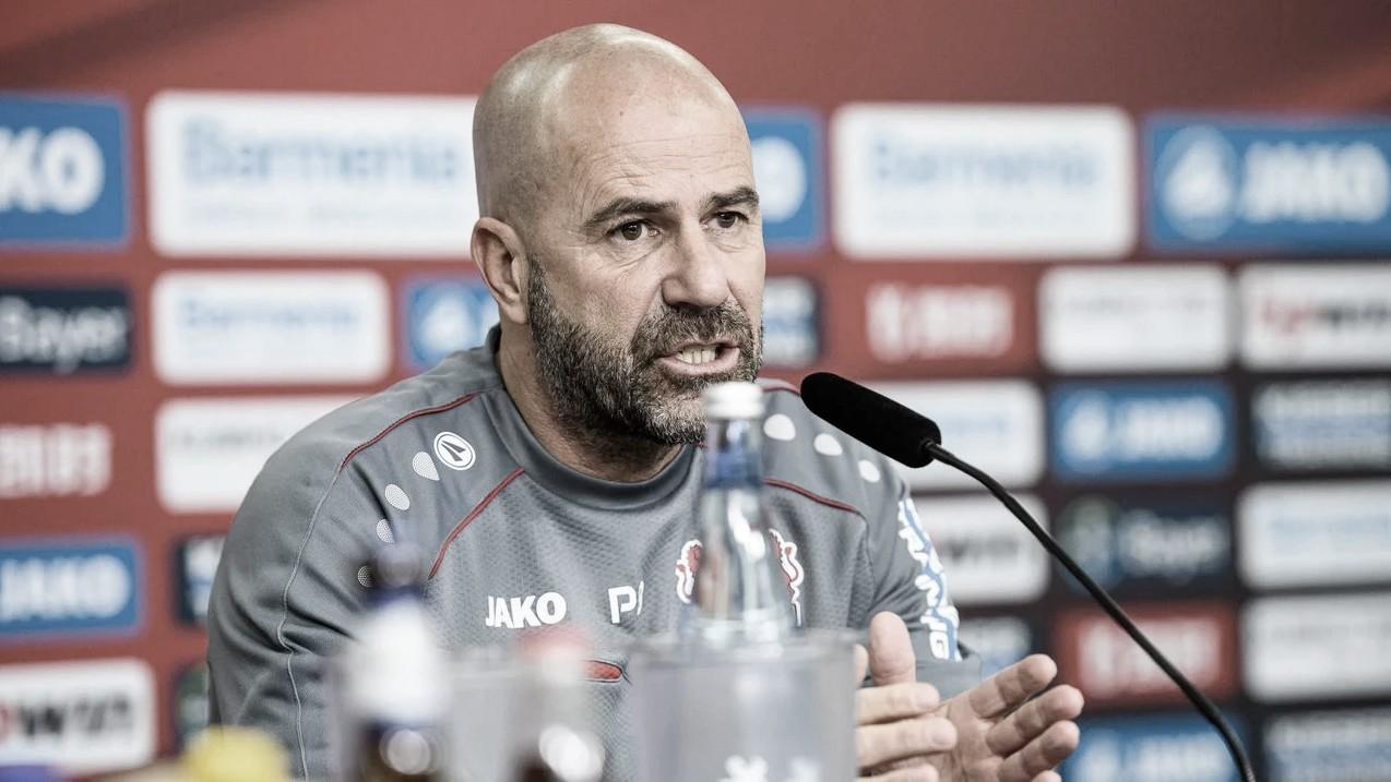 Peter Bosz destaca paciência do Leverkusen para vencer Freiburg fora de casa