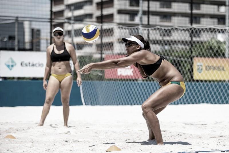 Ana Patrícia e Rebecca se preparam para estreia contra quenianas no vôlei de praia