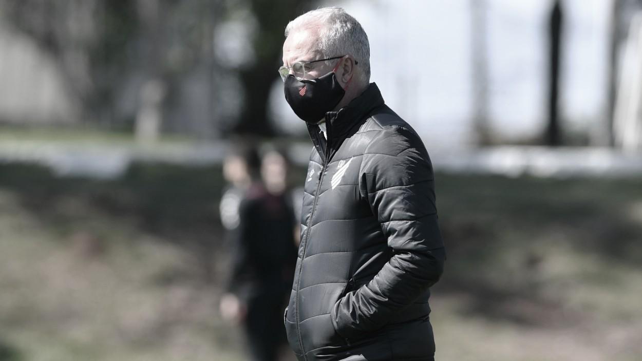Dorival Júnior é demitido do Athletico-PR após sequência de quatro derrotas seguidas