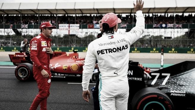 """Em casa, Lewis Hamilton não poupa elogios a Silverstone: """"Melhor Grande Prêmio do ano"""""""