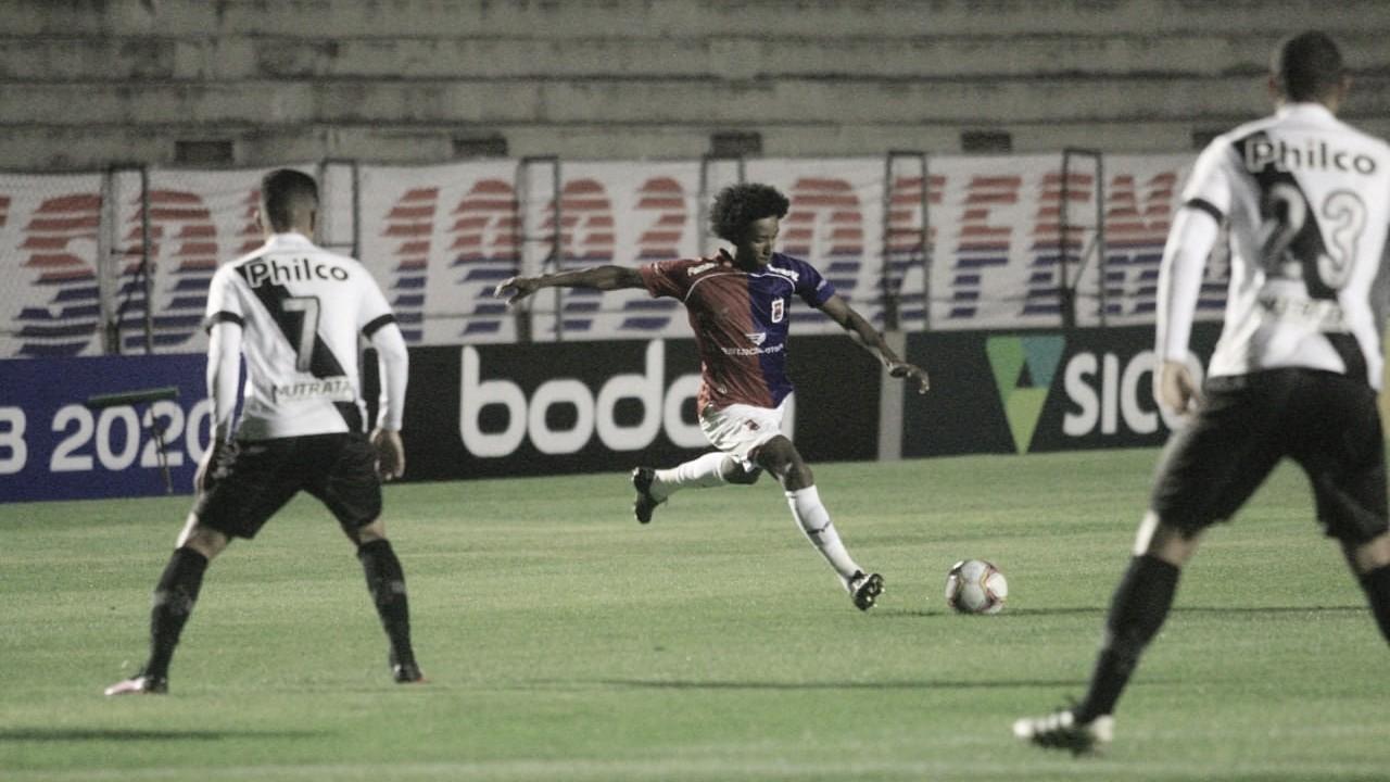 Paraná vence Ponte Preta e assume vice-liderança da Série B