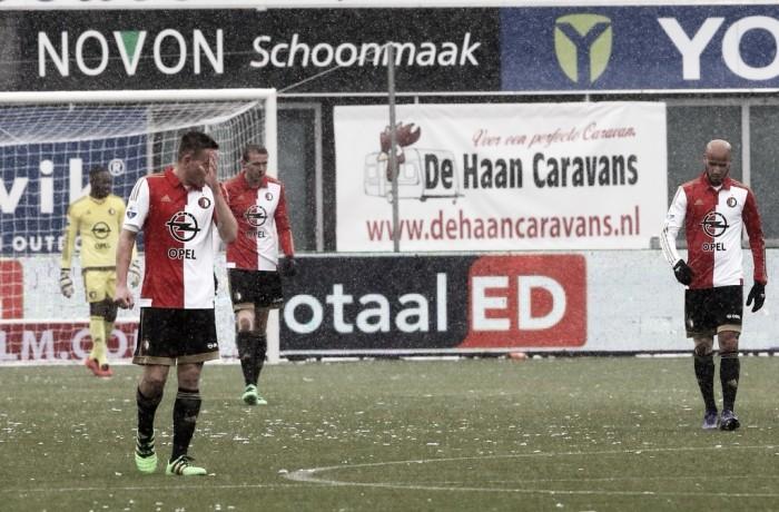 El Feyenoord vuelve a morder el polvo