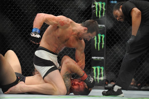 "And New: Luke Rockhold ""Ground & Pounds"" Chris Weidman In Route To 4th Round KO & UFC Middleweight Belt"