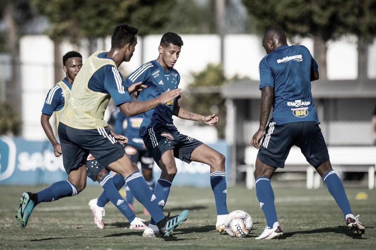 Cruzeiro recebe Paraná no encerramento do primeiro turno