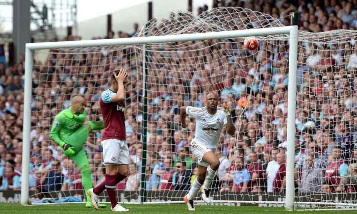 Tonfo West Ham, lo Swansea vince per 1-4