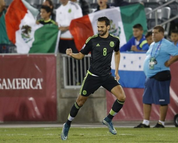 Mexican National Team: Paul Aguilar Out, Raul Lopez In