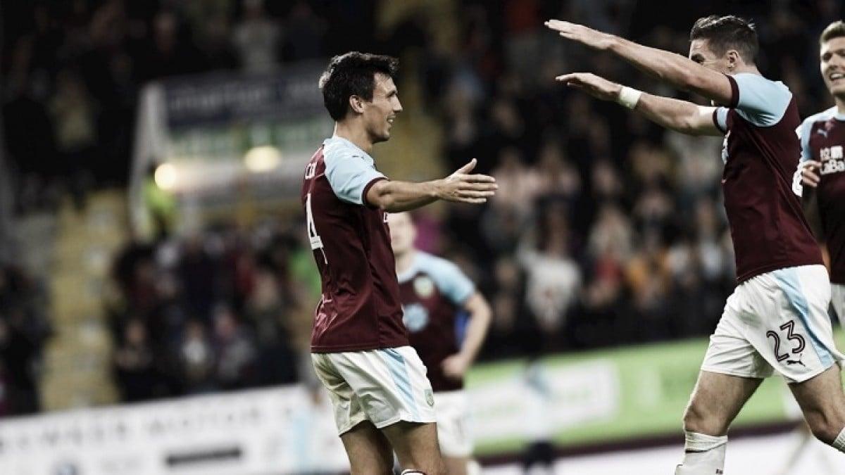 Con el último suspiro, Burnley avanza en la Europa League