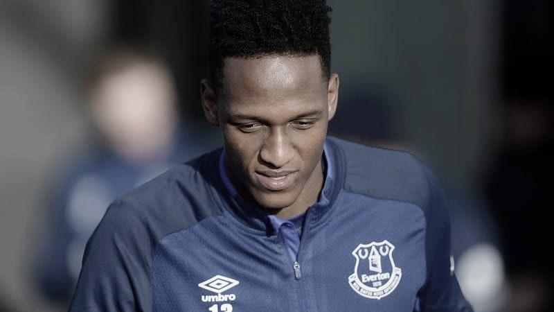 Zagueiro Mina desfalca Everton no retorno da Premier League
